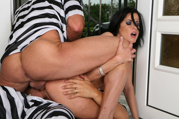 cecilia-vega-in-hardcore-jail-dp-scene